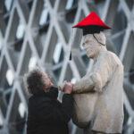 Michiel Köhne doet de Zaaijer een baret op